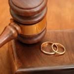 أخطر الآفات التي تهدد الزواج وتؤدي إلي الطلاق