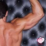 كيف تبني عضلات قوية كالحديد في وقت قصير