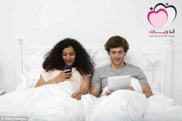 دراسة بريطانيَّة كثرة استخدام الهواتف الذكيَّة تدّمر الزواج